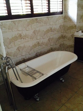 Silverstream Lodge: Bathroom of one of the lovely rooms :)