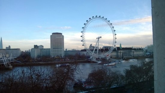 The Royal Horseguards: The view of London Eye from our room