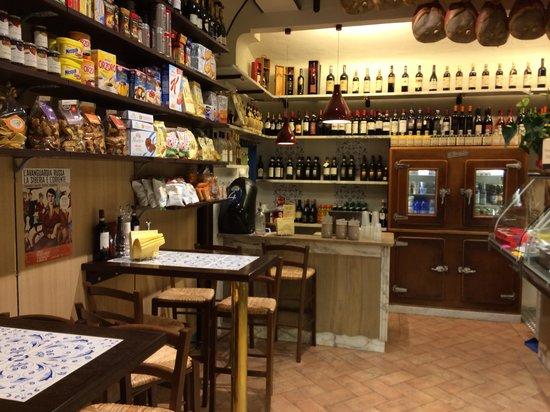Antica Salumeria Terre Nobili Firenze Porta Romana: Interno negozio