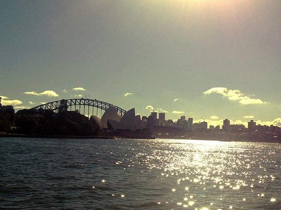 Sydney Opera House : Opera-view from the Botanical Garden