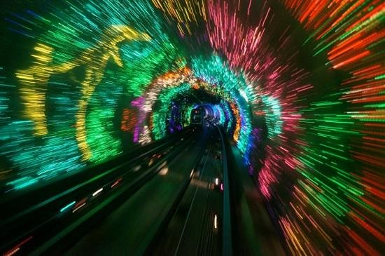 Bund Sightseeing Tunnel : tunnel