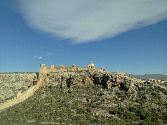Conjunto Monumental de La Alcazaba: further veiw of the extent of the fortress