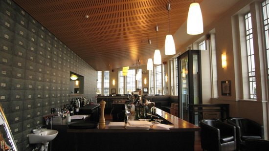 Customhouse: Restaurant interior