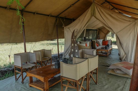 Olakira Camp, Asilia Africa: lounging area