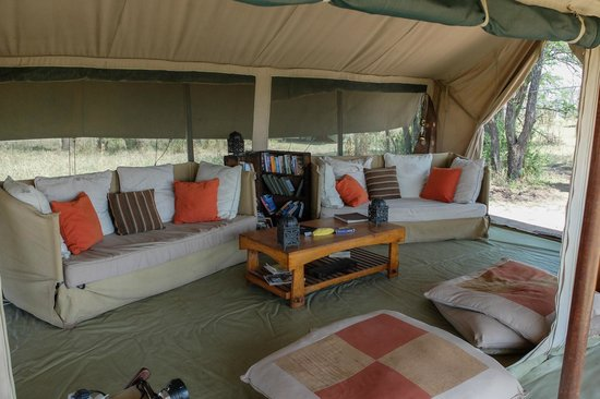 Olakira Camp, Asilia Africa : lounging area