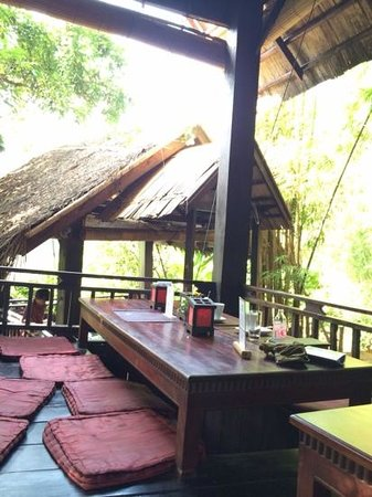 Dyen Sabai: A tree house with great food