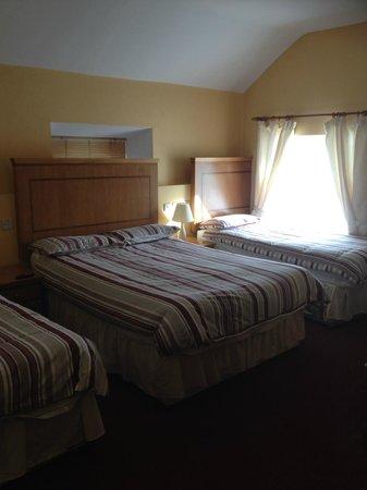 Glendine Inn: Triple Room