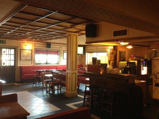 Glendine Inn: Bar