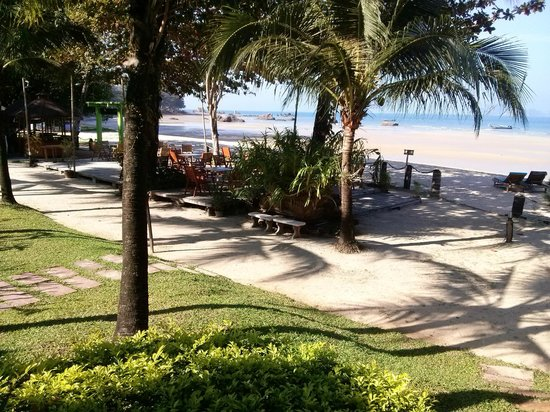 Tup Kaek Sunset Beach Resort : Lunch area
