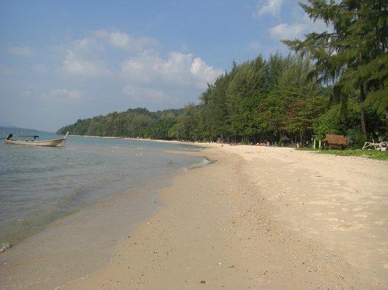 Tup Kaek Sunset Beach Resort: Strand