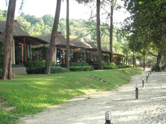 Tup Kaek Sunset Beach Resort : beach bungalows