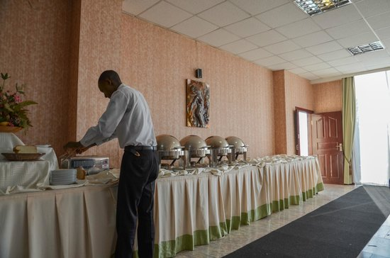 Top Tower Hotel Kigali: dining