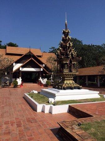 The Legend Chiang Rai : the grand entrance