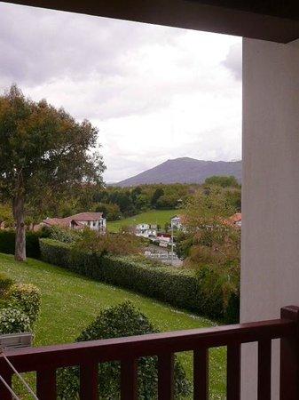 Azureva Hendaye: vue d'angle sur les Pyrénées