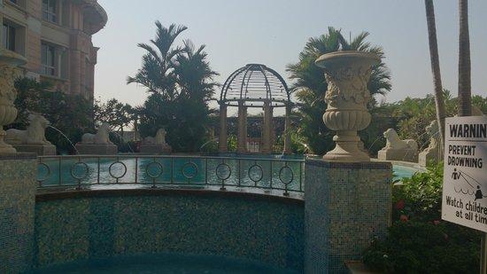 ITC Maratha, Mumbai: Swimming Pool