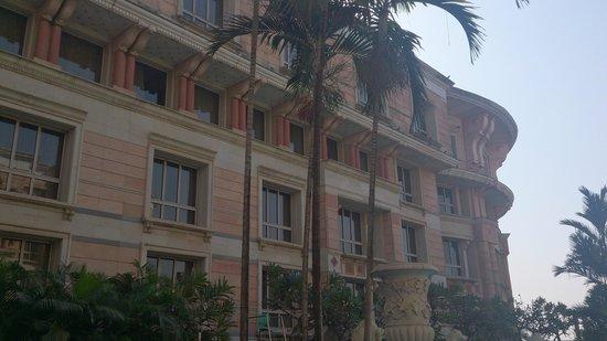 ITC Maratha, Mumbai: Pool side rooms