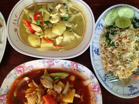 No. 6 Restaurant: Spicy curry powder chicken, sweet & sour chicken & a very generous serving of fried rice. Very t