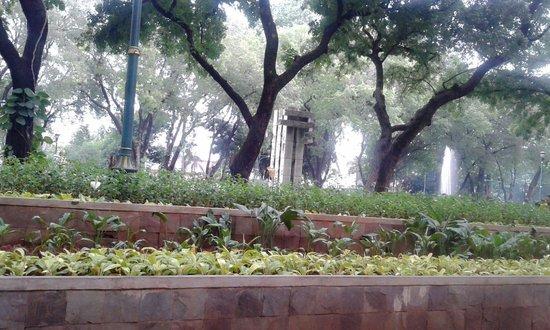 Taman Suropati: Fresh... i like it