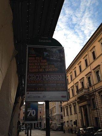 Residenza Canali ai Coronari : bus #70 stop (Zanardelli)