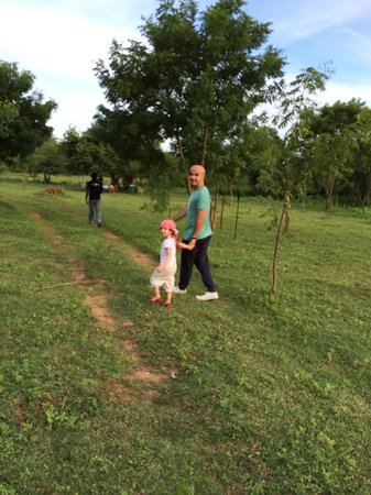Mahoora Tented Safari Camp - Udawalawe: Walking through the surrounding landscape