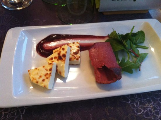 Kaarna: Great to start - Finnish squeaky cheese with smoked Elk