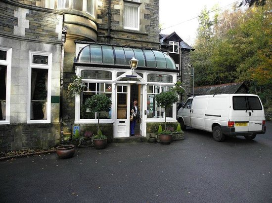 Merewood Country House Hotel : Main entrance