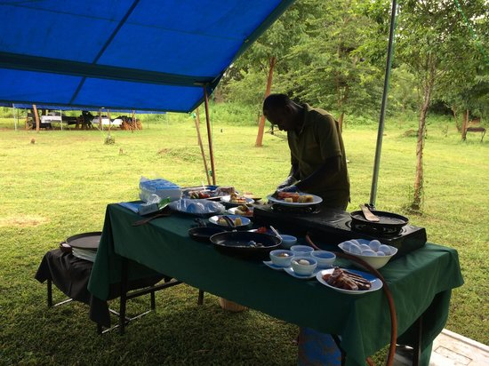 Mahoora Tented Safari Camp - Udawalawe : Live cooking