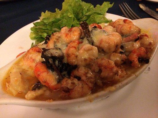 L'Houstalet Restaurant: Prawn & mushroom gratin