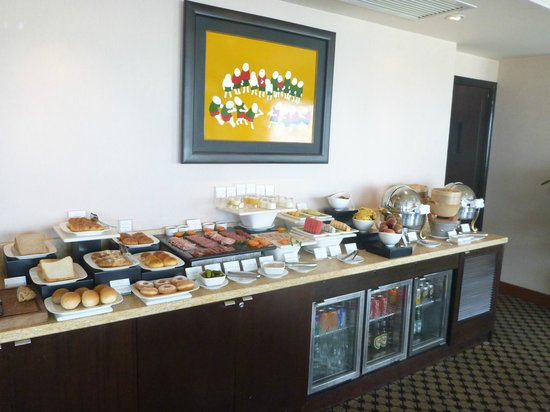 Sofitel Saigon Plaza: Club Lounge Breakfast Selection