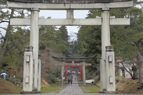 Iwakiyama Shrine: 参道入口