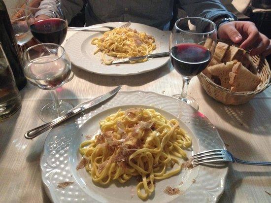 Le Mani in Pasta : fettuccine al tartufo