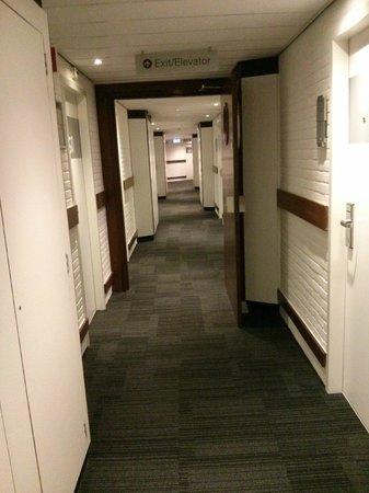 Mercure Hotel Amsterdam West: Corridor
