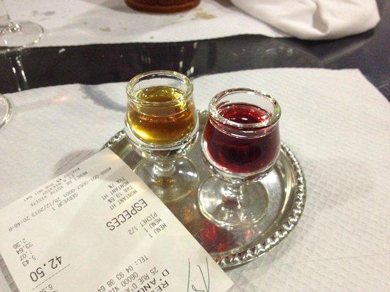 Restaurant d'Angleterre: liquorini portati in omaggio insieme al conto