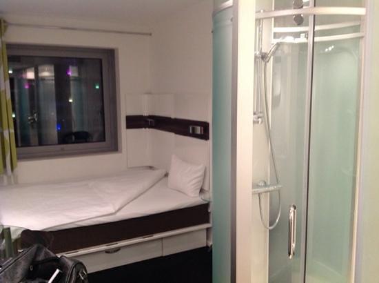 Wakeup Copenhagen Carsten Niebuhrs Gade: compact modern room