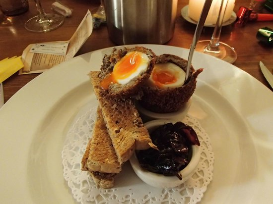The Prince of Wales: Haggis Scotch Egg - News Year Eve 2013 Delicious