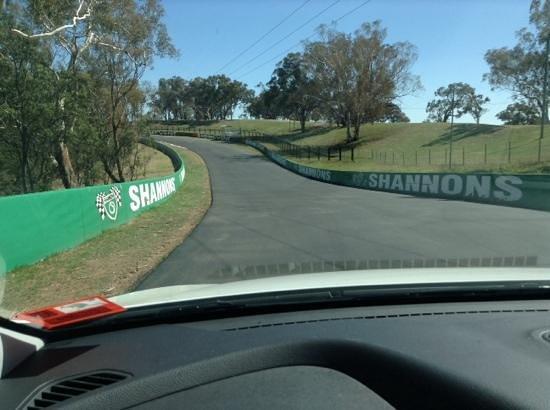 Mount Panorama Motor Racing Circuit: the track