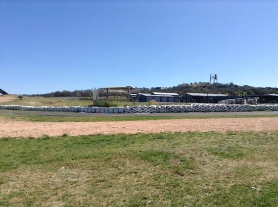 Mount Panorama Motor Racing Circuit: track view