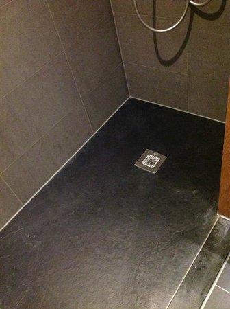 Hotel Merici: goeie douche met antislipvloer