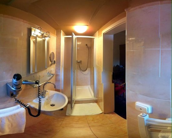 Antik City: Bathroom