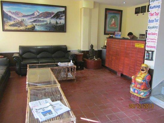 Hotel Buddha Land: Hotel lobby