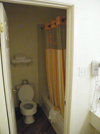 La Quinta Inn Denver Cherry Creek: bath