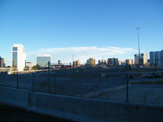 La Quinta Inn Denver Cherry Creek : view across from hotel