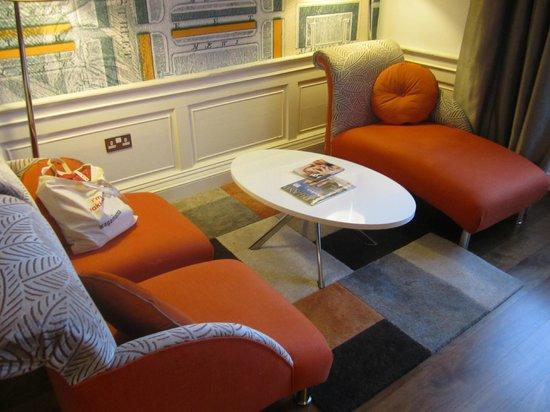 Hotel Indigo Edinburgh : Little living room area