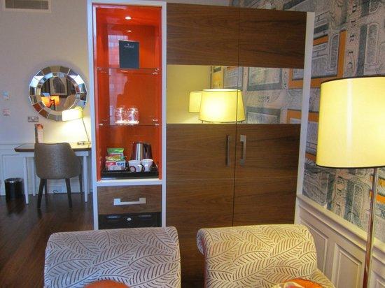 Hotel Indigo Edinburgh: The free mini bar