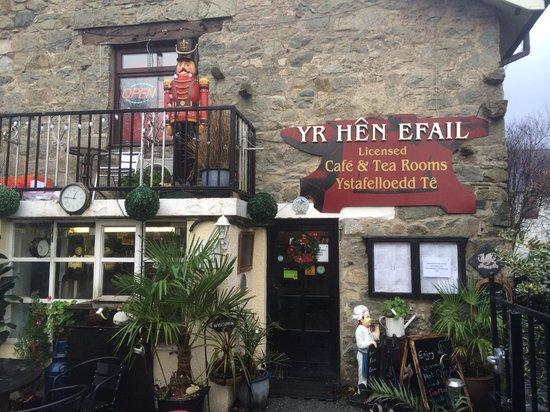 Yr Hen Efail: Best Breakfast in Town
