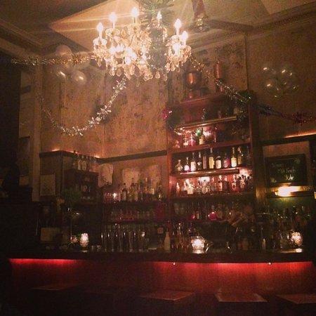 Salon 39: The bar