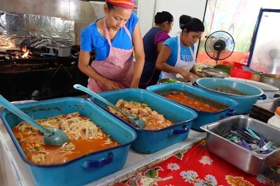 El Tacoqueto: kichen with ready meals