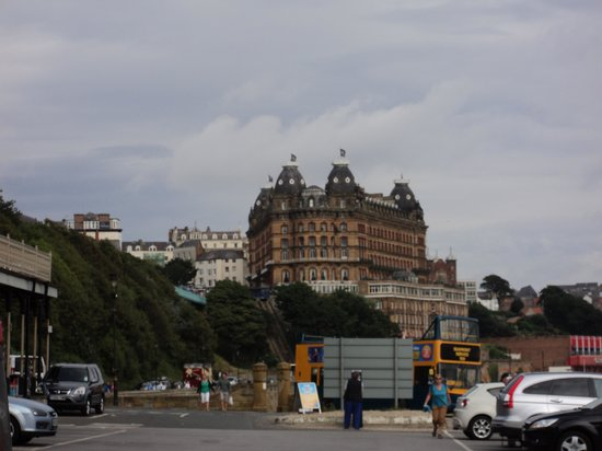 Grand Hotel Scarborough: Grand Hotel from Spa