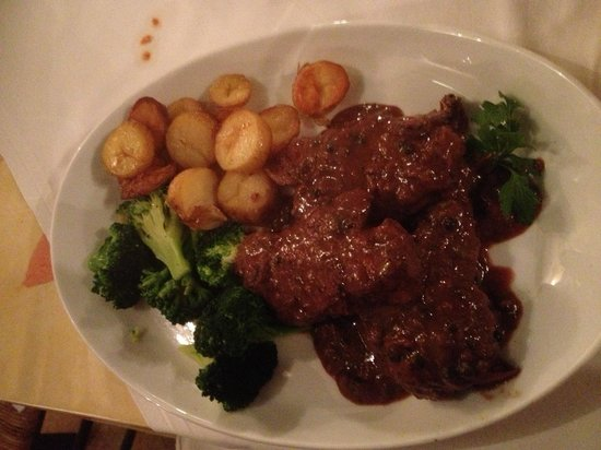 IBLEO Restaurant: Venison steaks a speciality.