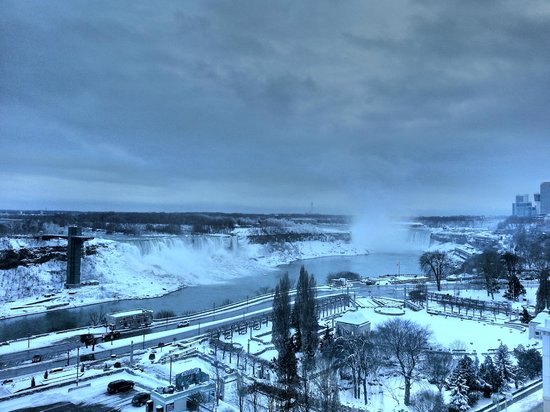 Crowne Plaza Niagara Falls - Fallsview : The View From The Rainbow Room - 10th floor